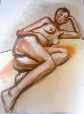 La femme brune nue allongée